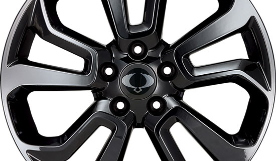 34p18alloywheel1800x467